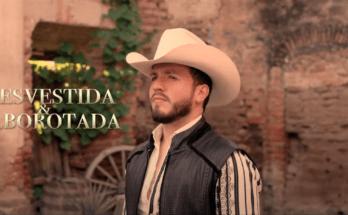 "Pancho Uresti, ""Desvestida y Alborotada"""
